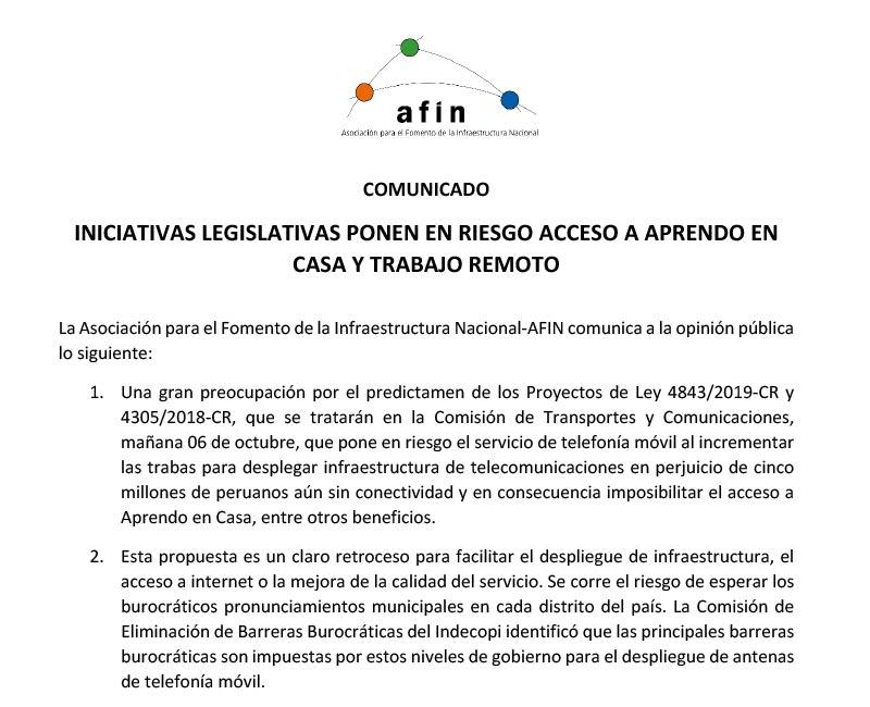 Iniciativas legislativas ponen en riesgo acceso a Aprendo en Casa y trabajo remoto